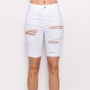Pants - White Bermuda shorts